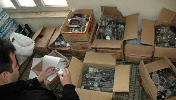 فروش گوشی های قاچاق در سایتهای اینترنتی/ بازار موبایل آرام شد