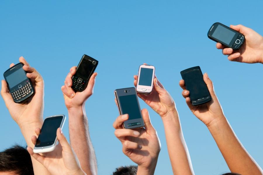 تلفن همراه در ایران ۲۲ ساله شد