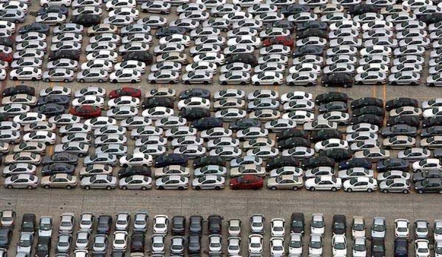 خودروسازان برای افزایش قیمت محصولات خود بهانه می آورند