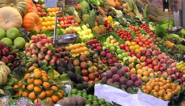 واردات میوههای خارجی همچنان ادامه دارد