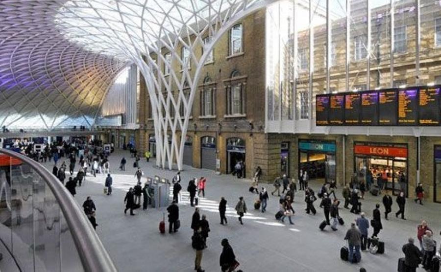 ساخت ایستگاه راه آهن در میدان آزادی/اتصال به خط ۴ مترو