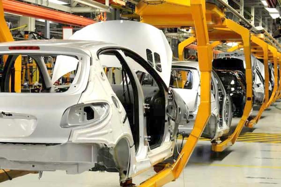 قیمت خودروهای داخلی بالا و کیفیت آن پایین است