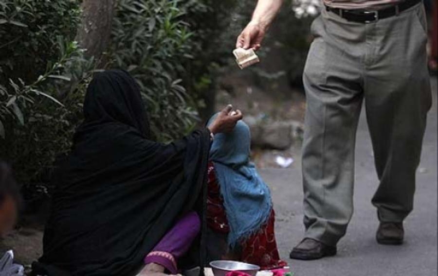 متکدیان تهرانی ماهانه ۱۲ میلیون درآمد دارند!