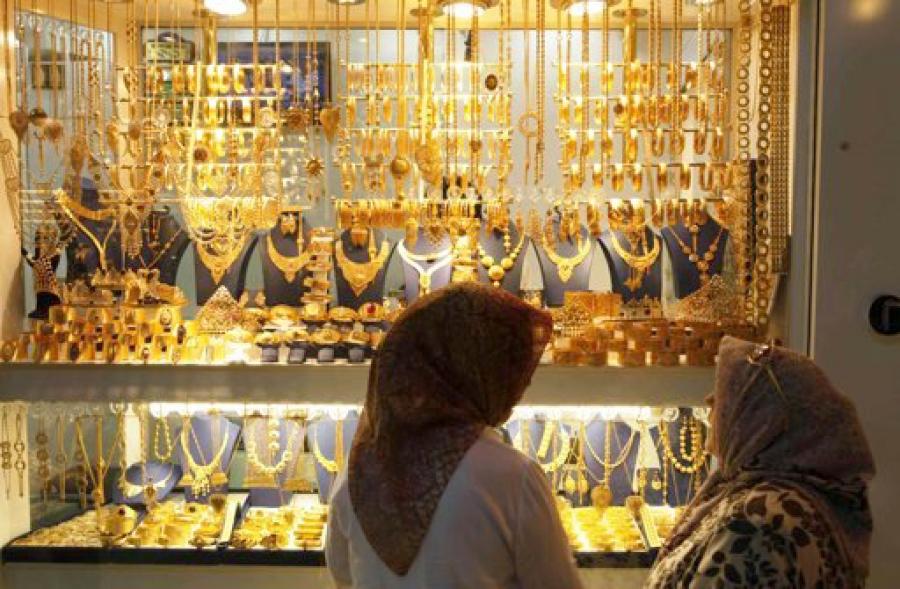 عروسها دیگر طلا نمیخرند / مردم با نقره آبروداری میکنند