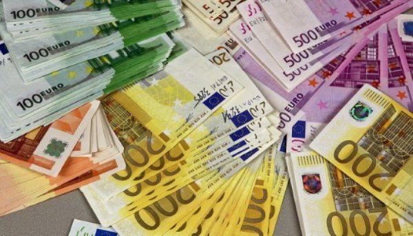 اثرات  ورود بانکها به خرید و فروش ارز