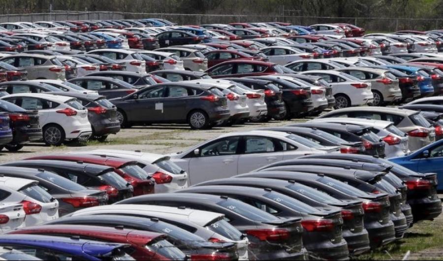 خودروسازان جزئیات قراردادهای خارجی را به سازمان استاندارد ندادند