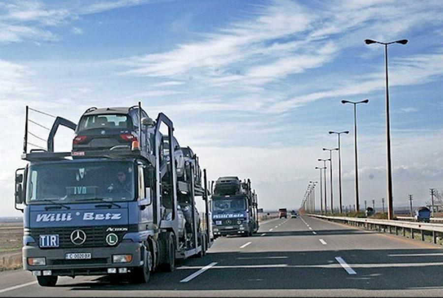 صادرات 74 میلیون دلاری خودرو و قطعات