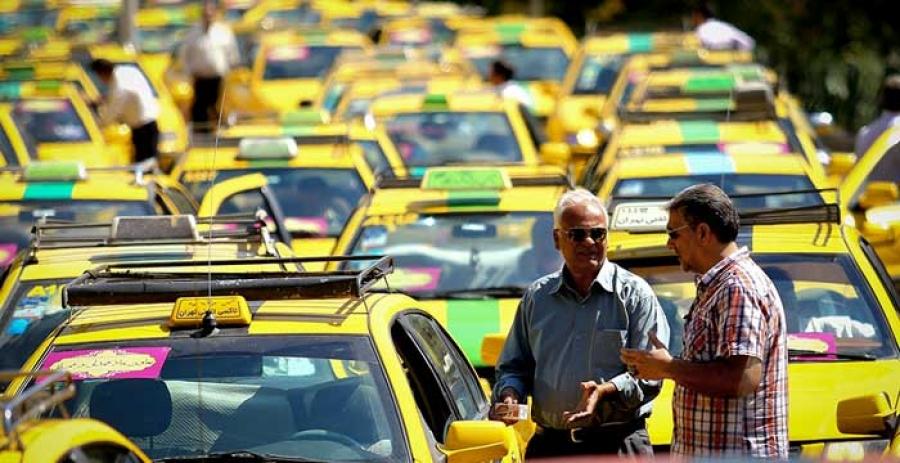 شناسنامه رانندگان بر روی تاکسیها نصب می شود