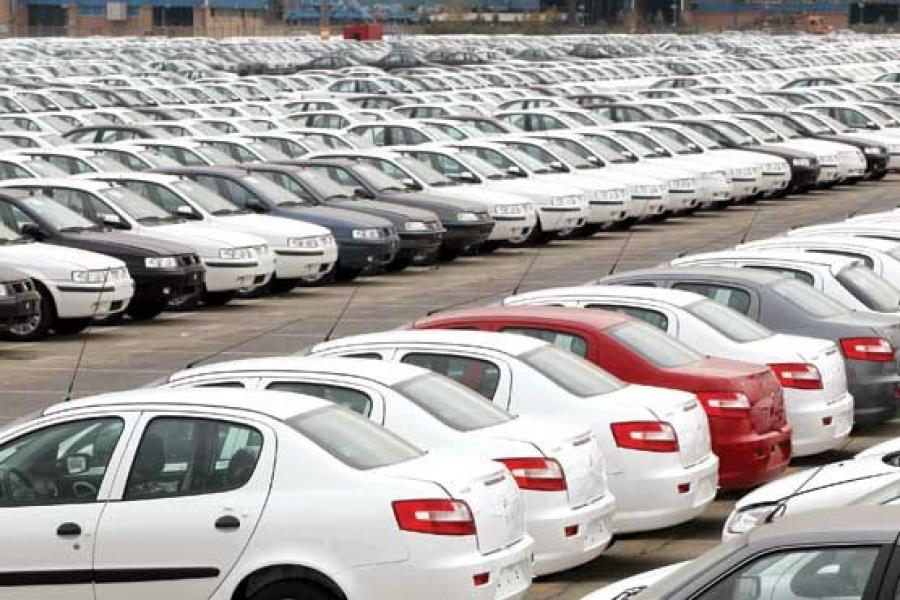قیمتگذاری خودرو معضل روز کشور است