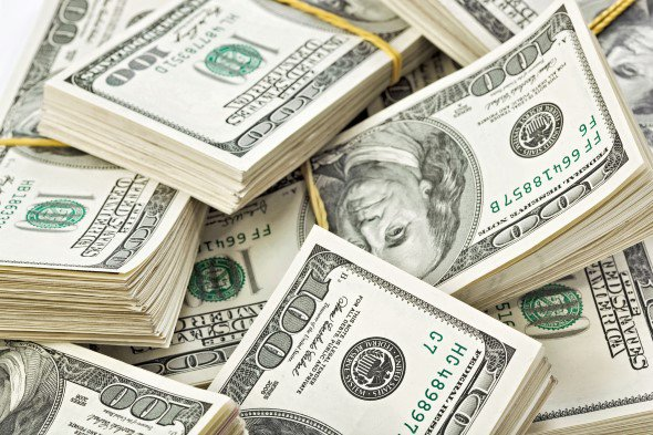 افت ۱۹درصدی ارزش ریال در برابر دلار