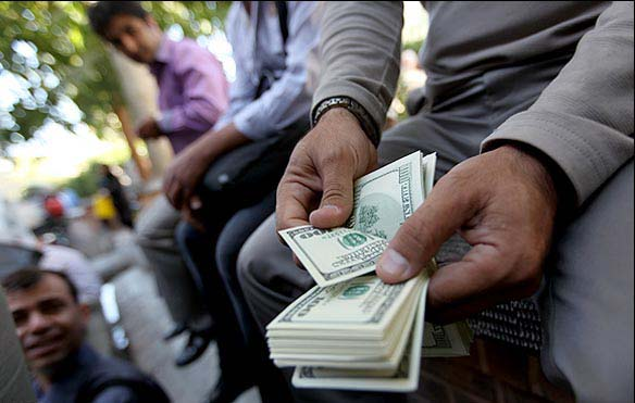 دلار ۹ تومان گران شد