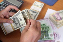 افزایش نرخ ارز اثر تورمی را بر اقتصاد کشور خواهد گذاشت
