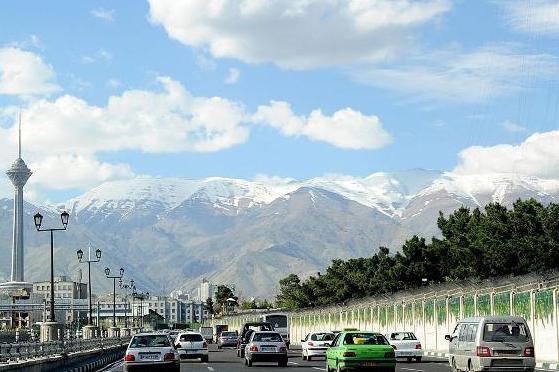 کاهش موقتی آلودگی هوای تهران به مدد باد
