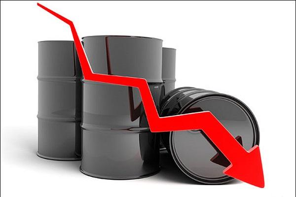 دغل بازی اعراب،منجر به سقوط قیمت نفت شد