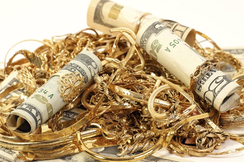 جدیدترین قیمت طلا و ارز در بازار / دلار ۳۸۳۰ تومان شد