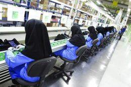 کارگران شاغل در بخشهای دولتی عیدی دولتی میگیرند