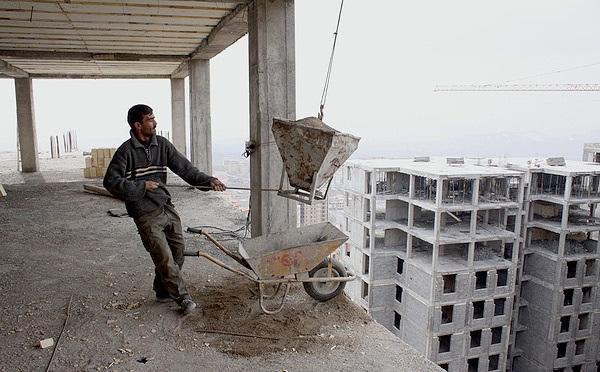 افزایش مزد کارگران ساختمانی از تورم جا ماند