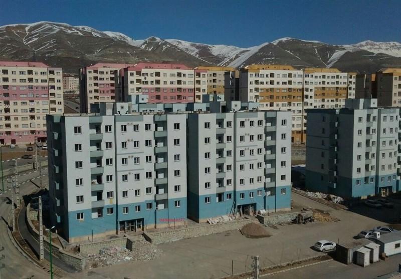 اسکان متقاضی بی خانمان مسکن مهر در کانکس کارگران