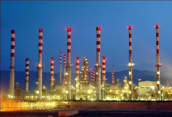 ۱۰ میلیارد دلار،ارزش صادرات فرآوردهای نفتی در سال ۹۵