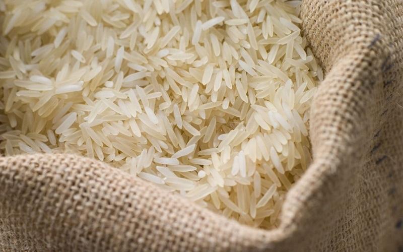 رسوب ۶۰ هزار تن برنج خارجی در گمرک / آغاز ثبت سفارش واردات برنج از امروز