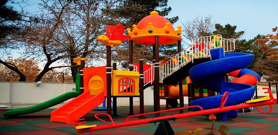 زمین بازی کودکان در بوستانهای منطقه ۱۱ ایمنسازی شد
