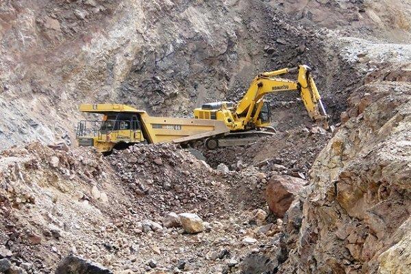 اختلاف پیمانکار و بهرهبردار معدن منجر به بیکاری ۱۰۰ کارگر شد