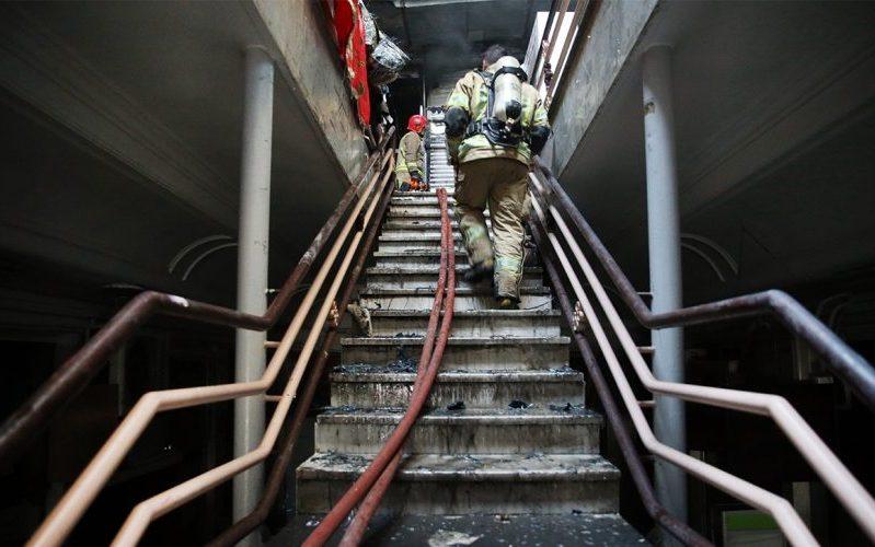 آتشسوزی در سپهسالار / کارگاه کفاشی در آتش سوخت