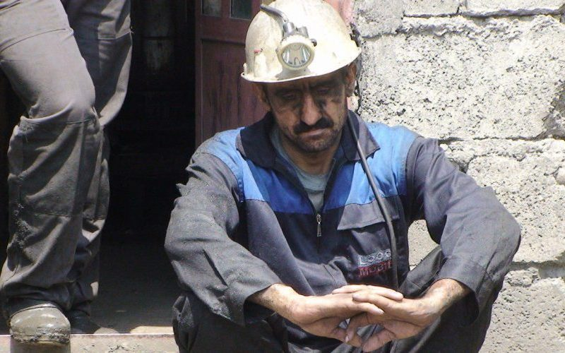 یک معدنچی: سهم ما از معدن، سیاهی زغال است