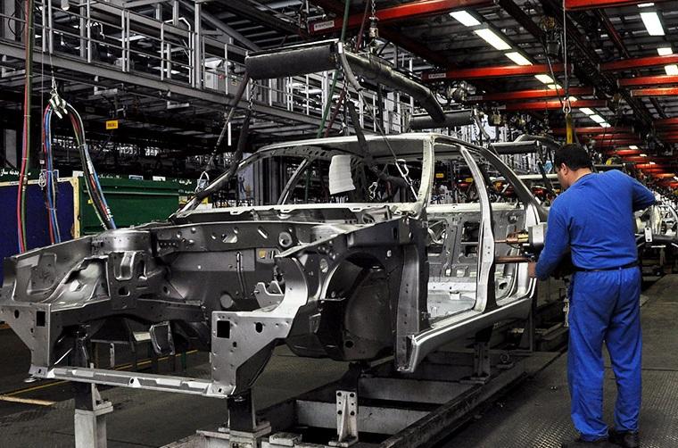 ایران به زودی در جمع 10 خودروساز برتر جهان قرار میگیرد