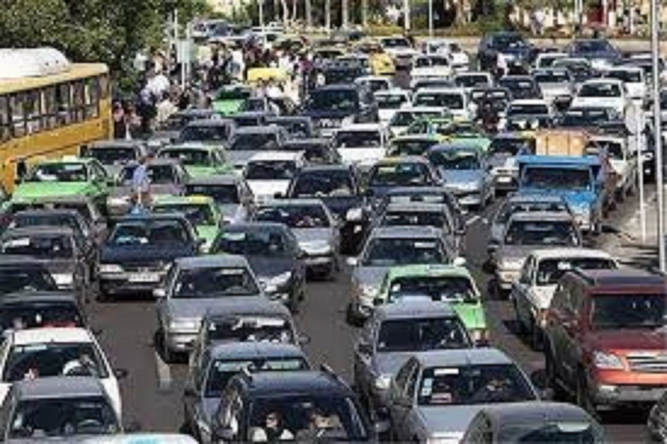 احداث نردههای ترافیکی در محدوده خیابان ولیعصر و فاطمی