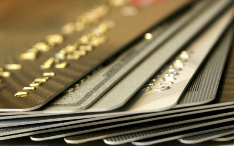 ۱۱ میلیون نفر کارت اعتباری ۱۰۰ هزار تومانی دریافت میکنند