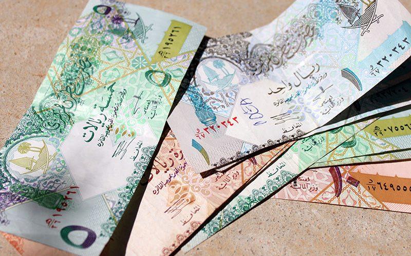 بانکهای انگلیسی عرضه ریال قطر را متوقف کردند