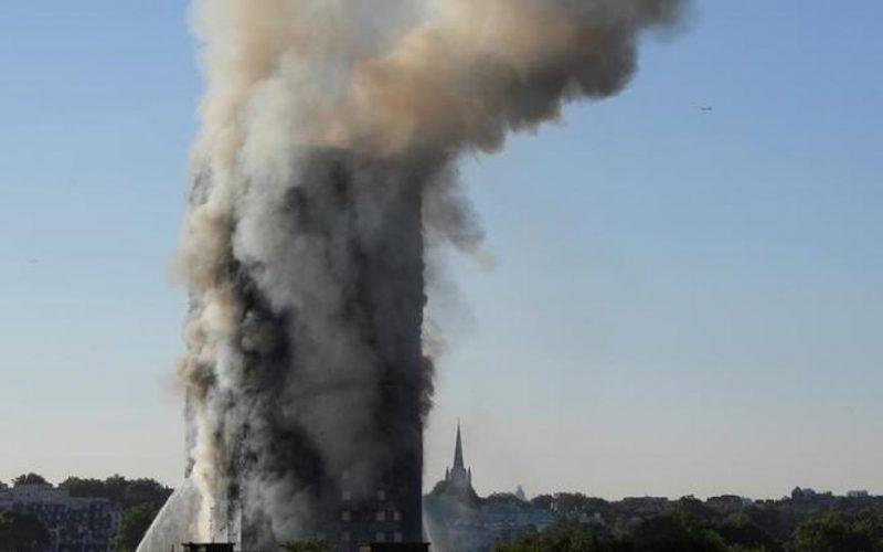 احتمال کشته و مفقود شدن ۶۵ تن در حادثه آتشسوزی برج گرنفل