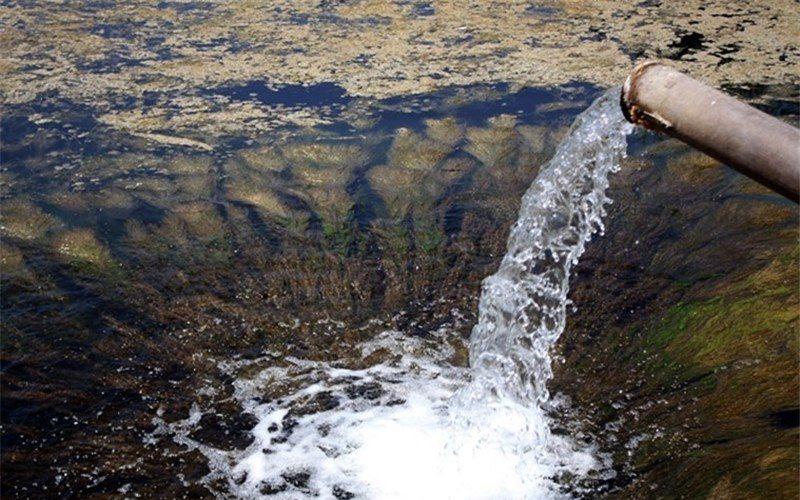 در نقاطی از آبادان فاضلاب با آب شرب آمیخته میشود