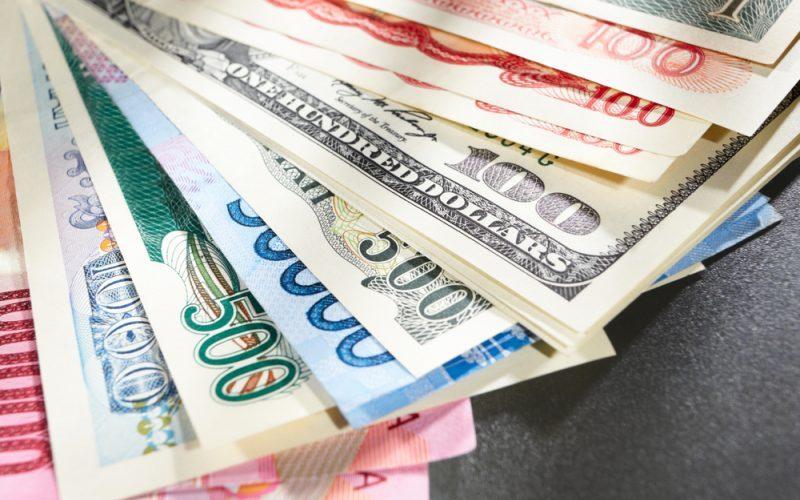 رشد قیمت ۲۴ ارز بانکی و افت ارزش دلار