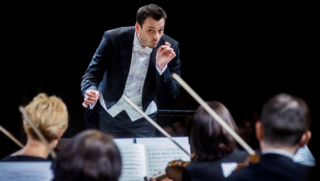موسیقیدان رهبر ارکستر مغز