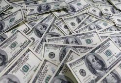 ارزش دلار به پایینترین میزان در 14 ماه گذشته رسید