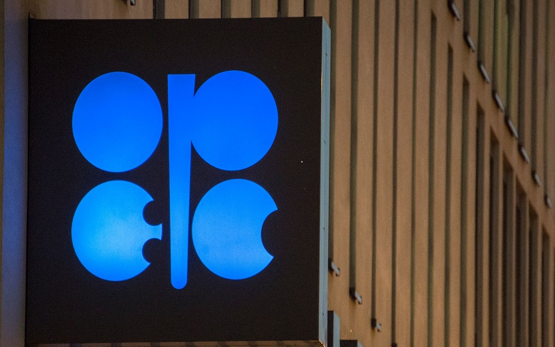 ذخایر جهانی نفت خام در حال کاهش است