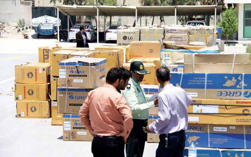نظارت بر خردهفروشان و توقیف کالاهای قاچاق