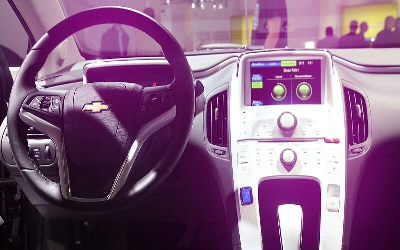 لیفت اتومبیل بدون راننده تولید میکند