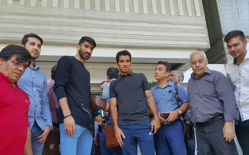 تجمع نفتیها مقابل وزارت نفت