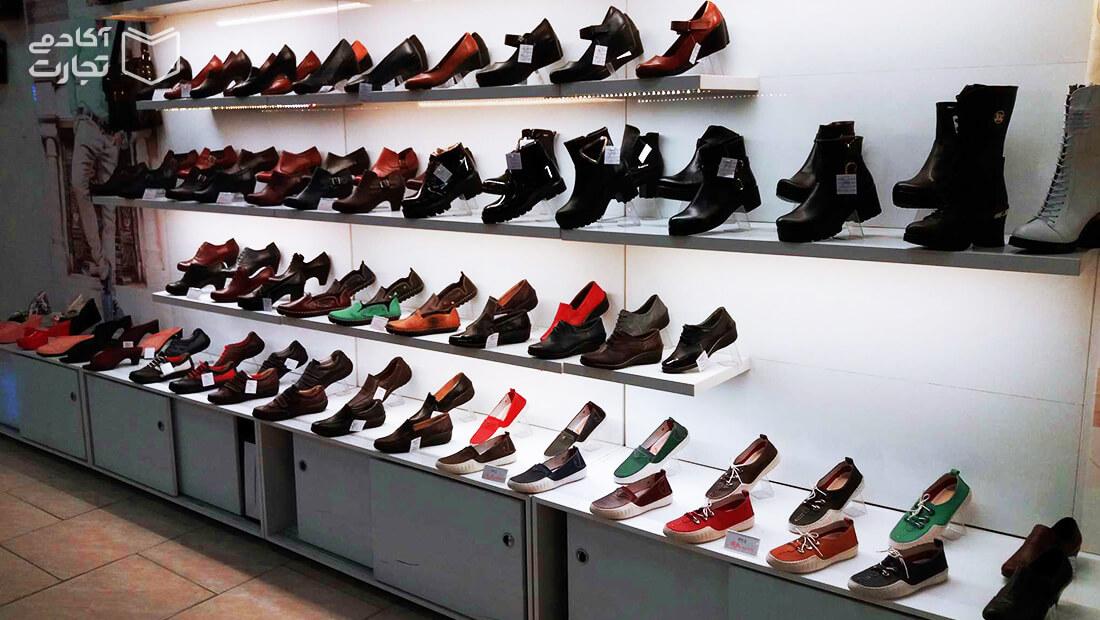 کفش خرید بازار انتخاب کالا بازاریابی مشتری