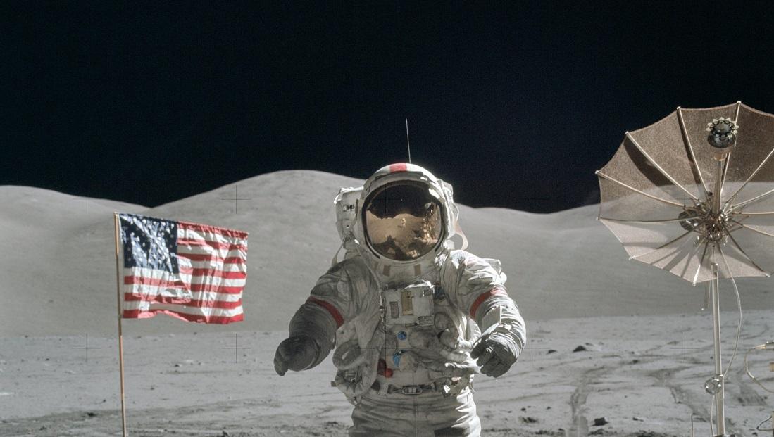 سفر به ماه انسان فضا فناوری