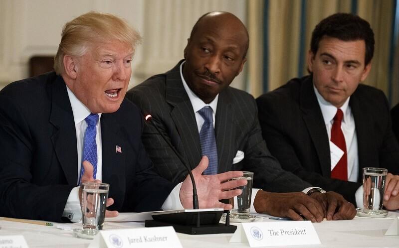 استعفای سه تن از مشاوران اقتصادی ترامپ