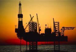 دکلهای نفتی آمریکا کاهش یافت