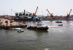 ساخت شناور مقابله با آلودگی نفتی