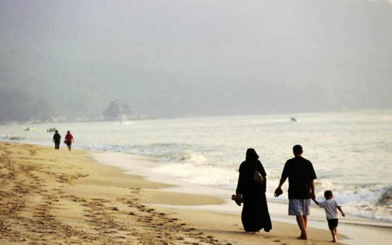 عربستان برای جذب گردشگر، قوانین اسلامی را دور میزند
