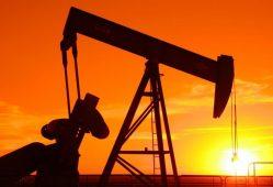نفت در سطح 50 دلار باقی میماند