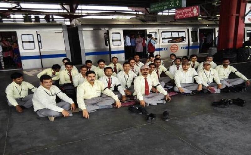 کارکنان متروی دهلی دست به اعتصاب زدند