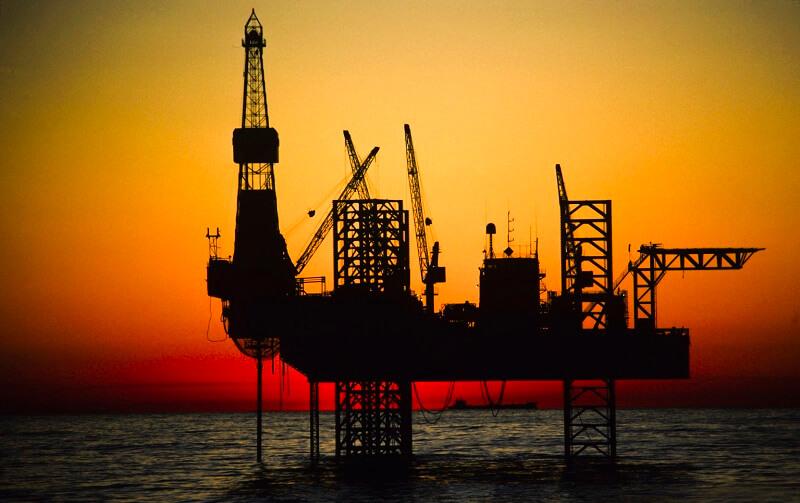 کاهش دکلهای نفتی در آمریکا